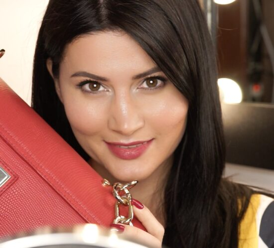 what's in my bag amalia draghici ce se afla in geanta mea