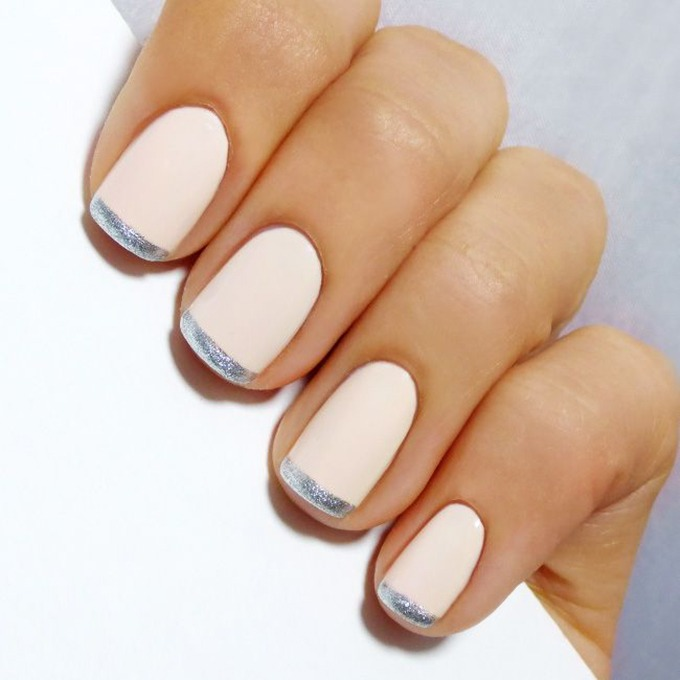 french manicure metalic accent