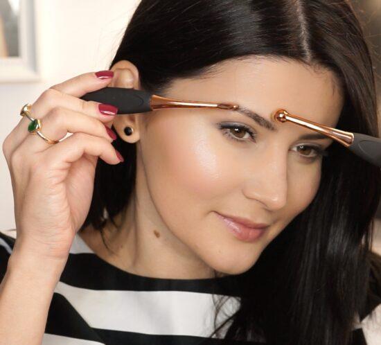 MAKE UP FOREVER   AQUA BROW   Waterproof Eyebrow Corrector