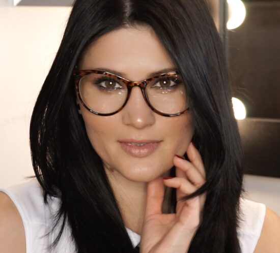 machiajul pentru ochelari